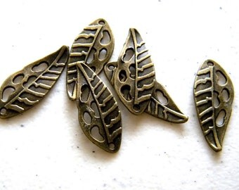 6 Bronze Long Leaf Charms - 26mm