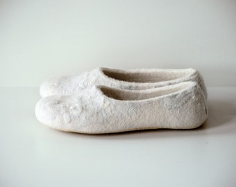 Women felted slippers - perfect wedding for her - white - natural, green gift