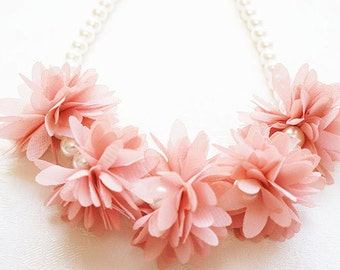Lily & Ally / Glass Pearl and Chiffon Flowers Kids' Necklace