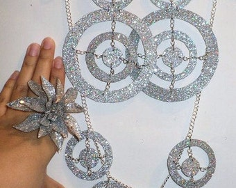 Big Silver circled earring jewelry set. Includes earrings, necklace & matching ring Glitter Jewelry, Flower ring, Big Jewelry, club earrings