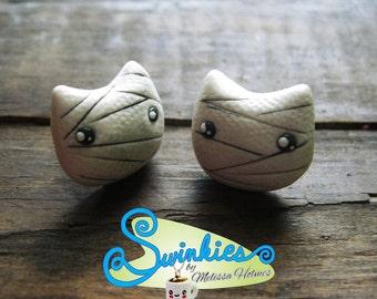 Mummy Cat Stud Earrings