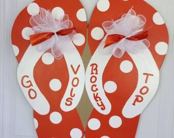 Go Vols door hanger,Flip flop door hanger, University of Tennessee door hanger,summer door sign, party door decor,