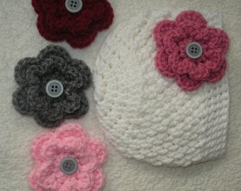 Crochet baby beanie with interchangeable flowers, crochet baby hat, baby gift, baby girl gift, newborn photo prop, white baby hat, girl hat
