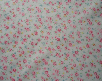 "Fat Quarter of Lecien Old New 30"" Collection Tiny Roses Scatter on Off White Background.   Approx. 18"" x 22""   Made in Japan"