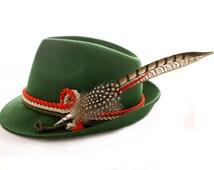 Alpine hat tricolore