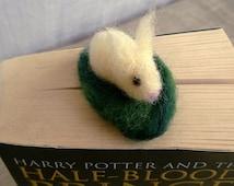 Felt rabbit bookmark, felting bunny napkin ring, Spring Easter décor, animal miniature, Waldorf doll house, white rabbit