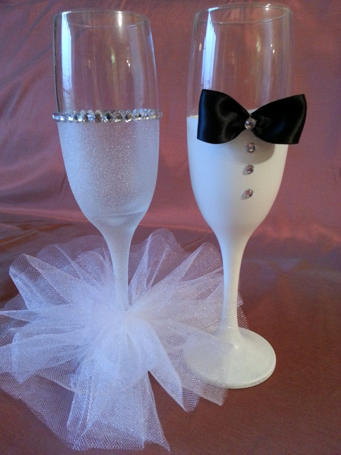 bride and groom hand painted champagne flute the price is for. Black Bedroom Furniture Sets. Home Design Ideas