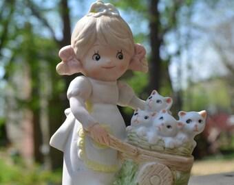 Homco 1402, Vintage Figurine, Girl Pushing Cart, Girl with Kittens
