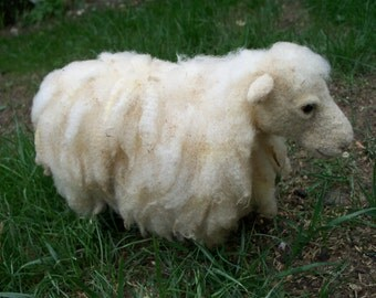 Little Sheep-felting hand made. COLLECTIBLE TOYS.