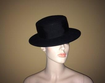 Vintage Evelyn Varos Black Wool Hat with Grosgrain Ribbon Band and Bow, Vintage Women's Hat, Vintage Wool Felt Hat, Vintage Millinery