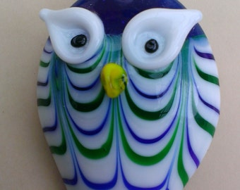 Handmade lampwork pendant in the shape of an OWL