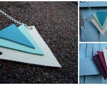 "Necklace leather triangle gradient ""Trio"""
