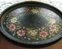Collectible Painted Toleware Tray, Oval / Metal Serving Tray /Oval Tray/ Painted Tray / Butler Tray / Tea Service Tray / Wall Hanging //F161