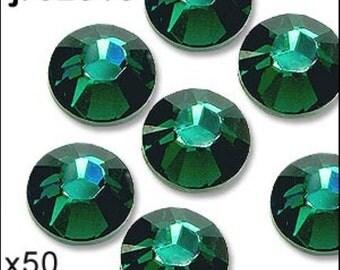 1 pack of 50 emerald diamante. Hot fix. Size 5mm/ss20. JR02316
