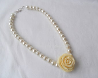 Vintage style ivory pearl necklace. Sale item!