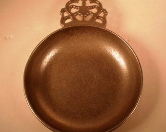 1970's Wilton RWP Armetale Pewter Dessert Dish or Porriger Bowl with lace filigree handle