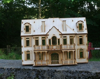 Manor House Mansion Dolls House