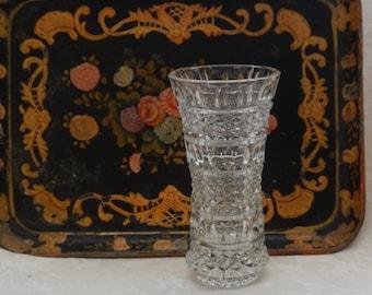 Stylish Hollywood Regency Crystal Vase!