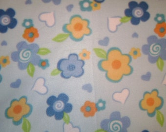 Flowers & Hearts Fleece Blanket