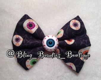 Creepy Cute Eyeball on Eyeballs Bow Kawaii