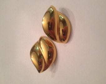 Vintage Napier Gold Earrings Costume Jewelry