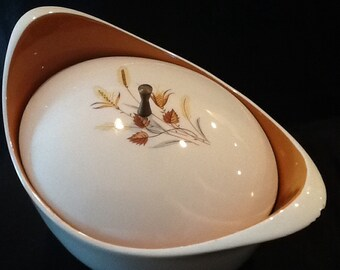 Vintage Taylor, Smith and Taylor Casserole Bowl <> Autumn Harvest <> Ever Yours Line <> GOOD CONDITION <> 1950's