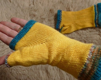 Ungendered Fingerless Mittens