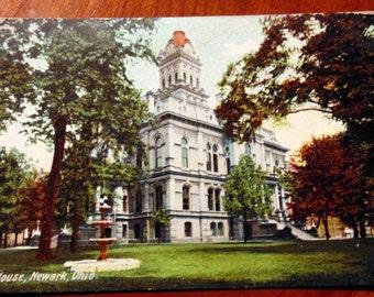 POSTCARD Early 1900s Court House Newark Ohio