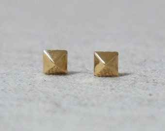 10K Gold tiny quadrangular pyramid stud earrings, solid Gold, 10k real Gold - TG070