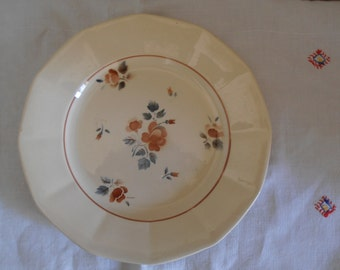 A charming French vintage Digoin Sarreguemines plate with a rose design, 1940's
