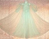 "Vintage Nightgown Peignoir Set Vanity Fair Sheer Nylon Chiffon Floor Length 20' Sweep Lace Wedding Bridal Gift Robe M/Medium L/Large to 40"""