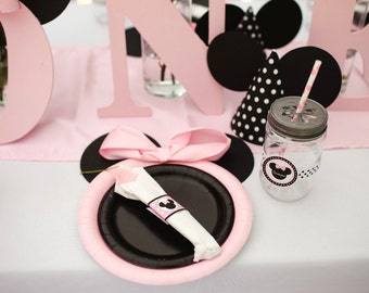 Set of 12 Minnie Mouse Inspired Party Plates