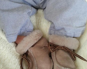 Authentic Lambskin booties boots for babies. Baby's first christmas Ugg like shoes and slippers made in Mallorca