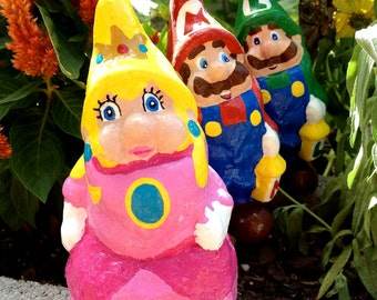 Peach Gnome, Mario Bros. parody, solid garden gnome, 5.5 inches, 14cm, inspired by Nintendo video games
