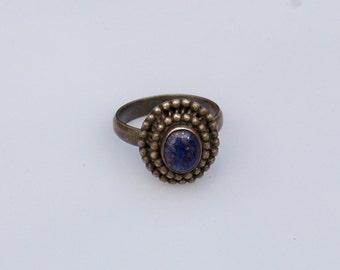 Exquisit Vintage Silver Ring with a fine Lapis Lazuli gem. US Size 9. UK Size S