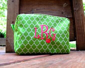 Monogrammed Makeup Bag - Quatrefoil Pattern
