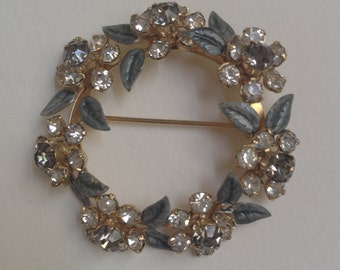 Vintage Wreath Pin