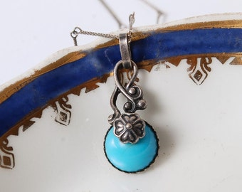 Vintage necklace, silver plated charm with glass stone  (BZ042)