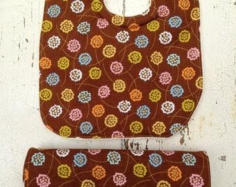 Soak Proof Bib and Burpcloth Set | Brown Floral