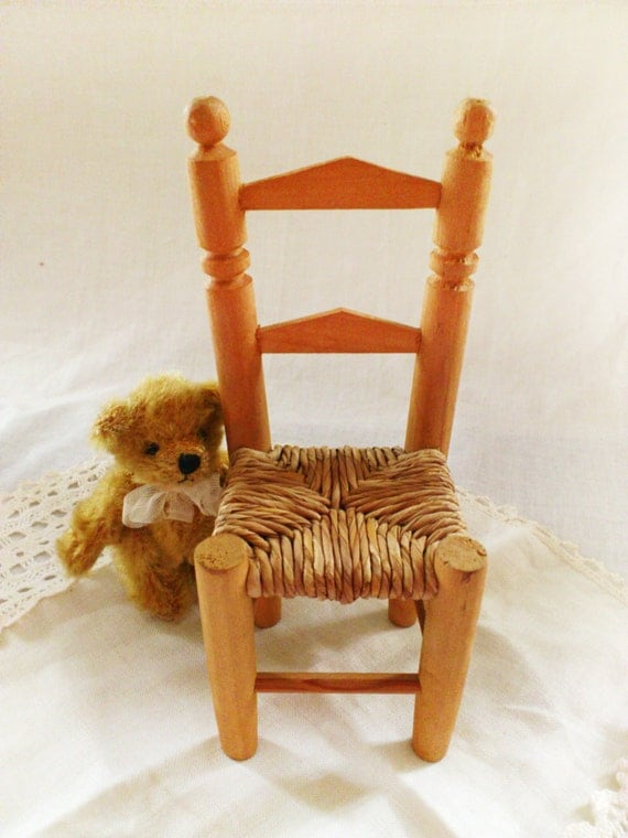 vintage chair for dolls or teddy bear adorable handmade wooden. Black Bedroom Furniture Sets. Home Design Ideas