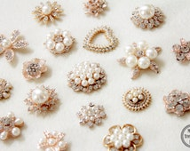 10 Assorted Mix Lot Pearl Rhinestone Gold Metal Base Flat back Brooches Button/Craft Supplies/Wedding Accessories/Jewelry