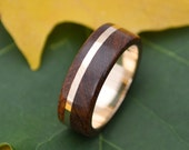Wood Ring Gold Solsticio Oro Nacascolo - ecofriendly 14k recycled yellow gold and wood wedding band, gold and wood wedding ring