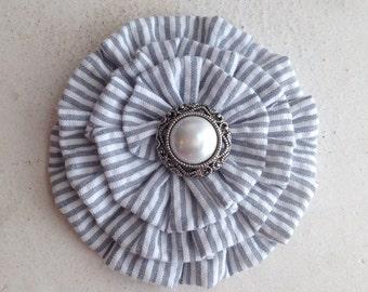 Gray Seersucker Flower Hair Clip.Seersucker Brooch.Gray & White Seersucker flower.Pin.Corsage.Stripes.Grey.Grey Seersucker Flower.Hair Piece