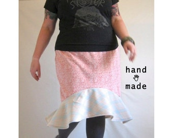 SALE - flounce skirt - plus size 24, size 26, 3X to 4X - vintage knit poly Mash Up skirt - 47W-58H