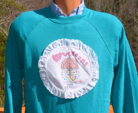 vintage 80s sweatshirt LOVE POURS applique raglan crewneck teal Medium wtf funny kawaii