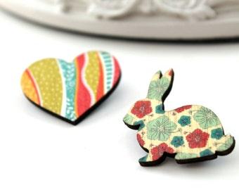 Bunny rabbit and heart wooden brooch set red vert