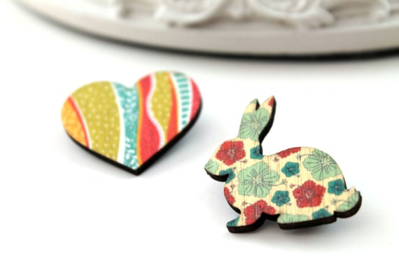 Bunny rabbit and heart wooden brooch set red vert