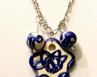 jewelry pendant jewelry beads jewelry necklace blue and white china on silver chain