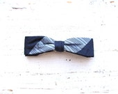 Vintage Bow Tie . Navy Blue . Clip On . Accessories