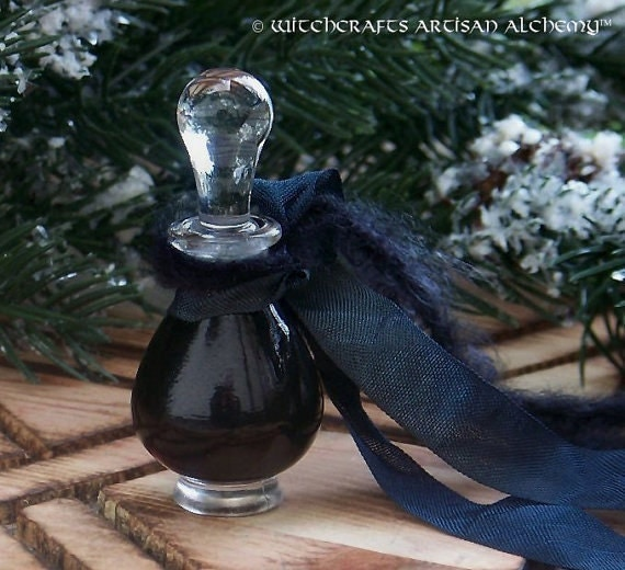 BLACK MAGIC Luxurious Sultry Amber Witchcrafts Artisan Alchemy Perfume Oil in Black Velvet Gift Bag for the Deepest Darkest Shadows in You